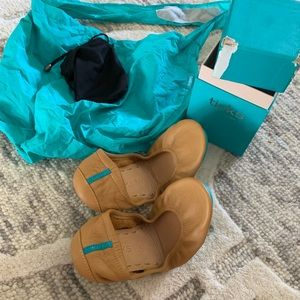 Camel Tieks Size 6 brand new
